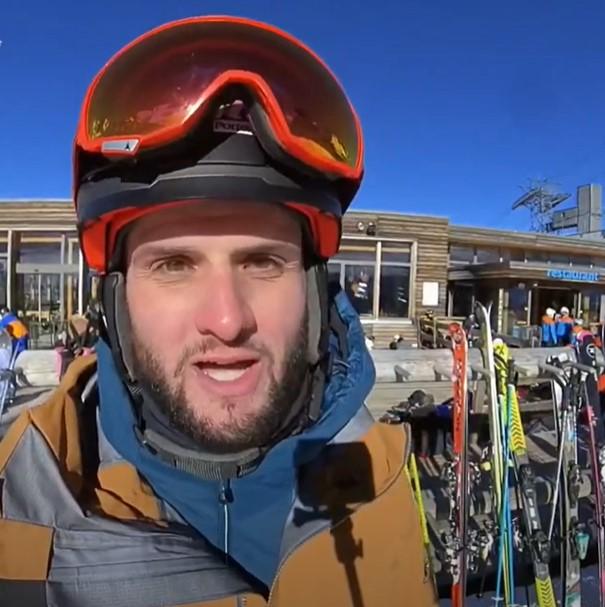 Un moniteur parle de la précision et du confort du Ski~Mojo